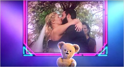 Ein romantischer Weichspüler-Bär singt für Liebende. Screenshot: youtube.com/watch?v=IucRL266dbQ