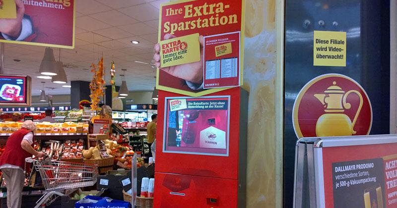 Am Terminal kann man vor dem nächsten Einkauf einfach den persönlichen Angebotszettel ausdrucken.