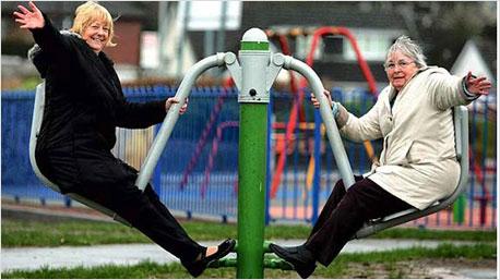 Mit Spaß im Alter fit bleiben. Foto: www.seniorplanet.org/playgrounds-for-seniors