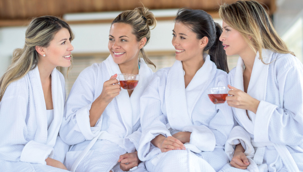 1.000 trnd-Partnerinnen probieren das Feuchtigkeitsserum, das für jeden Hauttyp geeignet ist, aus und machen es in ihrem Umfeld sowie online bekannt.