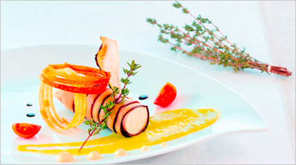 VIP Rezept: Cannelloni mit Cantadou Tomaten und Kräuter der Provence auf Zucchini-Püree.