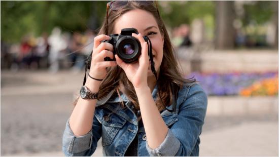 """Für """"das echte Fotobuch<sup>®</sup>"""" von FotoPremio werden Digitalfotos auf echtes Fotopapier belichtet. Sie erhalten dadurch eine hohe Farbbrillanz und Detailtiefe."""