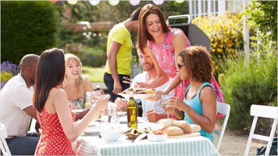1.000 trnd-Partner können sich von dem reizlindernden Gel gemeinsam mit Freunden und Familie überzeugen und machen es in ihrem Umfeld bekannt.