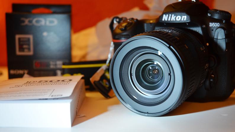Nikon D3400 und D500 - effizienter Akku