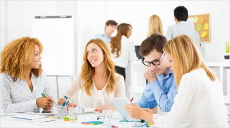 Mit weißer Lineatur, extra glattem und dickem Papier sowie vielen Extras vereinfachen die notizio Notizbücher die Arbeit im Büro, in der Universität und zu Hause.