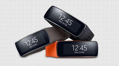 … beim Sport und im Alltag. Für Abwechslung sorgen die optional erhältlichen Armbänder in modischen Farben. Auch die Samsung Gear 2 wartet mit einer Fülle …