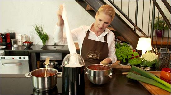 … Du nur eine Hand frei hast und bequem Küchenpapier von der Rolle abreißen möchtest. Mit nur einer Hand lassen sich so …