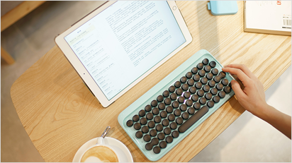 Tippen wie früher mit der Tastatur im Schreibmaschinen-Stil.