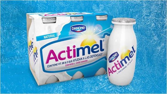 … sobre el lácteo bebible de Danone apto para todos los miembros del hogar…