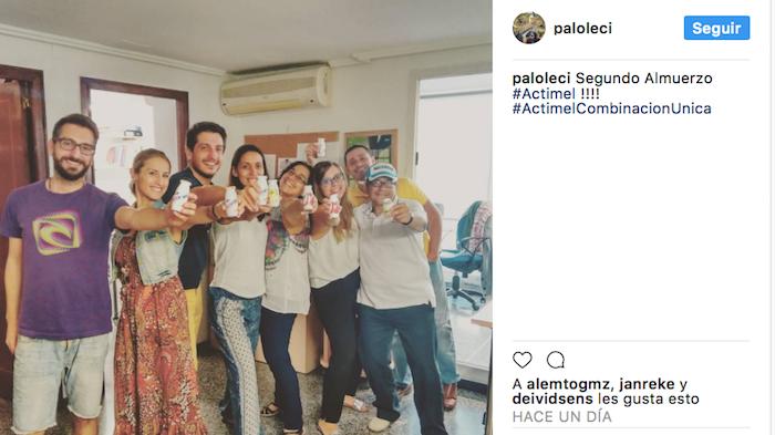 La trndiana PalomaLe comparte las nuevas combinaciones de Actimel en Instagram.