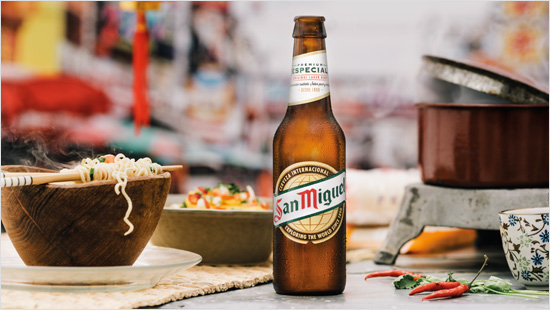 En el siglo XIX, un grupo de aventureros decide abrir la primera cervecería del Sudeste Asiático.