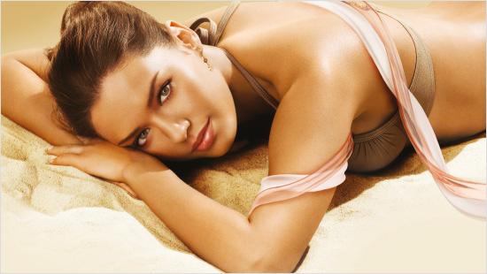 … y que proporciona una hidratación continua a la piel, incluso después de la exposición al sol. ¡Para una piel suave e hidratada non stop!
