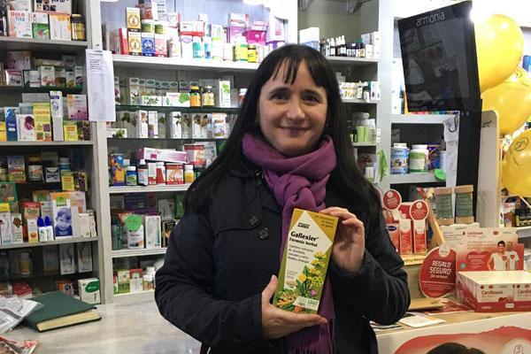 Birdycilla en la farmacia con su Gallexier.
