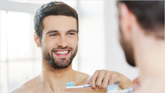 … y probaremos su nueva fórmula en formato gel para conseguir un resultado óptimo en nuestra boca.
