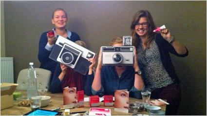 trnder Eyelris et ses amies découvrent la gamme Sublimist de L'Oréal Paris.