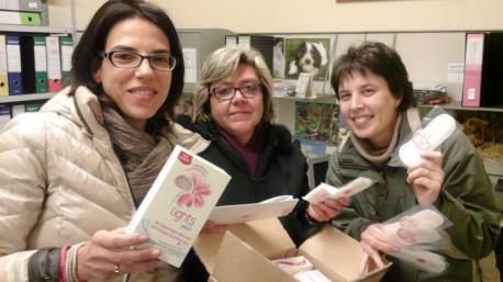 trnder BULGARIA felice con le amiche di ricevuto lo starter kit Lights by TENA