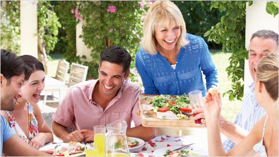 Insieme vogliamo scoprire l'intera gamma di maionesi Calvé, facendola conoscere e provare ad amici e conoscenti attraverso il passaparola. Pronti a un gustoso assaggio del mondo delle maionesi Calvé? Via!