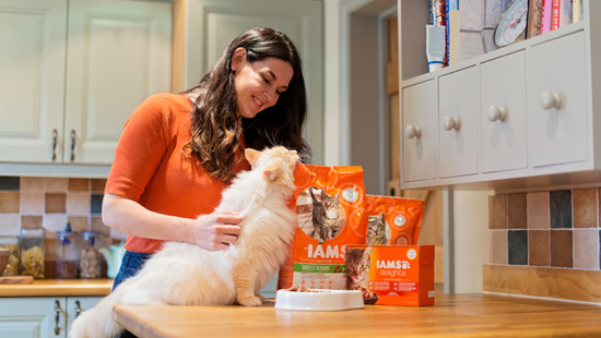 IAMS knows cats are carnivores and need protein containing taurine. That's why their number 1 ingredient is chicken and turkey. If you want superior nutrition for your healthy and active cat, apply now!
